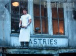 peeta-outside-the-bakery