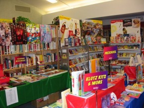 Retro Reads Thursday: Scholastic Book Fairs