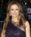 kelly-preston-premiere-savages-01
